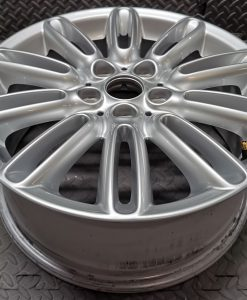 alloy wheel upward
