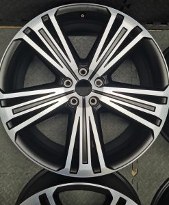 2003 vw beetle wheel size